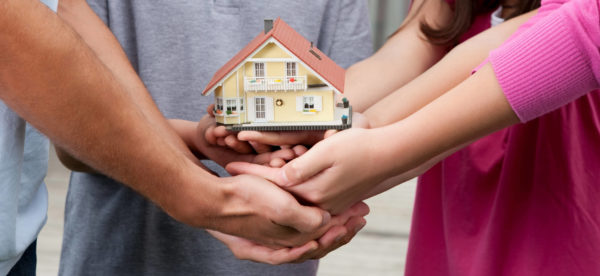 Родственники и жилье
